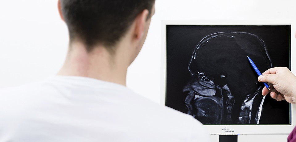 medzentrum feucht orthop die neurochirurgie. Black Bedroom Furniture Sets. Home Design Ideas